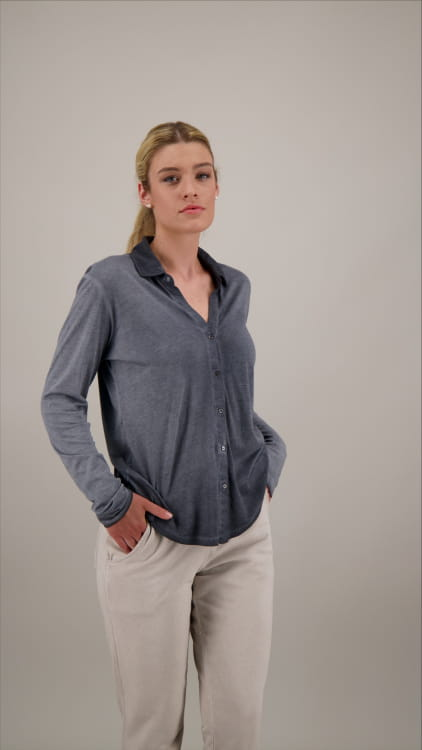 BUTTONFLY BLOUSE